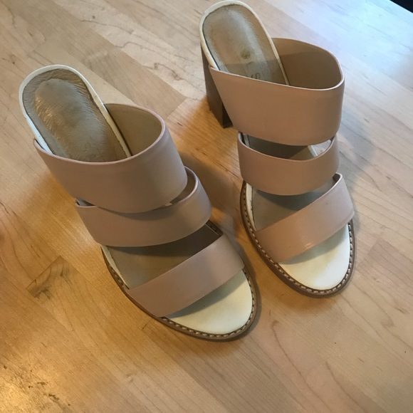 739c272a035 Blush Pink Block Heel Sandals. M 5a921a3e61ca102f703c5ba8